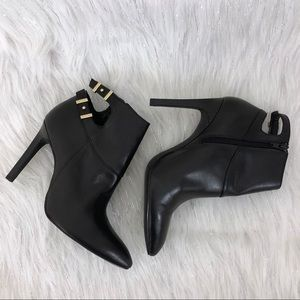 NWOB Guess high heel ankle boots size 10